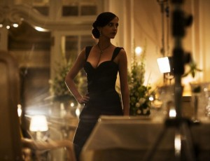 Eva-Green-on-the-set-of-Casino-Royale-by-Greg-Williams-600x459